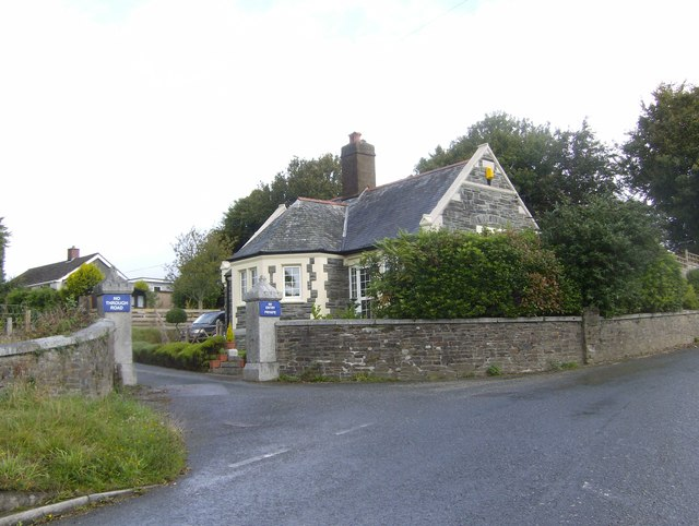 Former Lodge house to Doublebois House