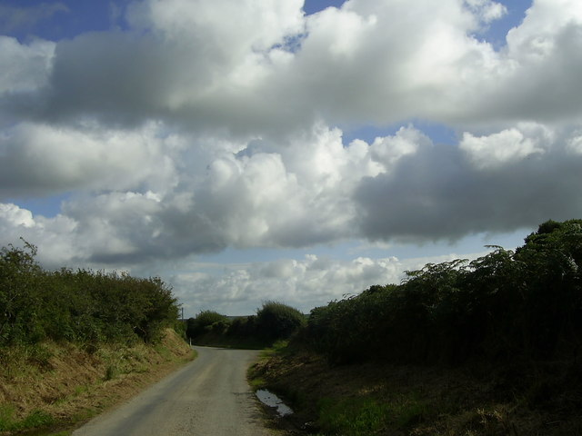 Country road near Treddiog