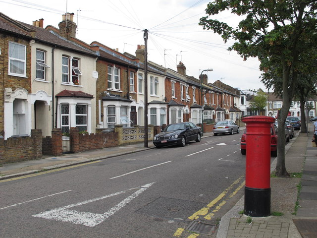 Villiers Road, NW2 (2)