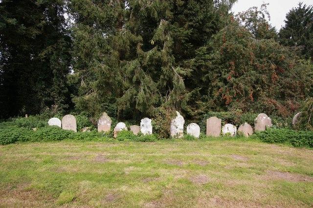 St Andrew, Thurning - Churchyard