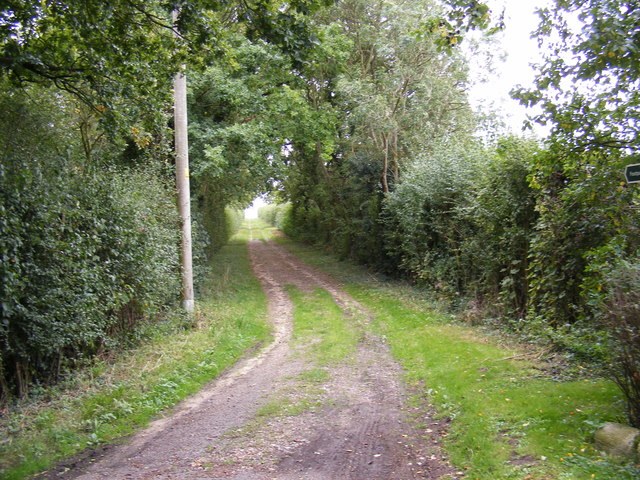 Footpath to Bastings Hall