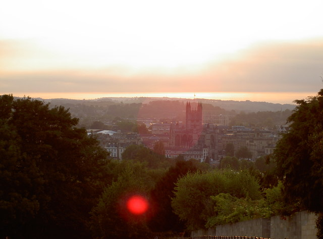 Evening falls around the Abbey