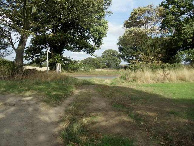 Public Footpath exit on to Lee Lane