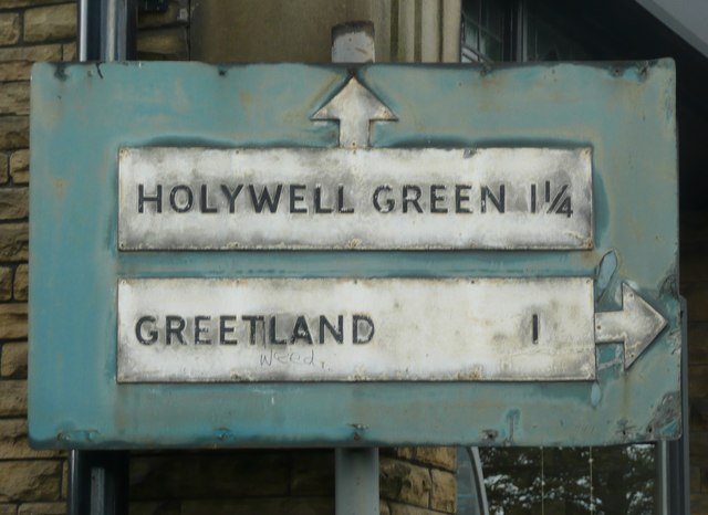 Close view of pre-Worboys road sign, Victoria Road, Elland
