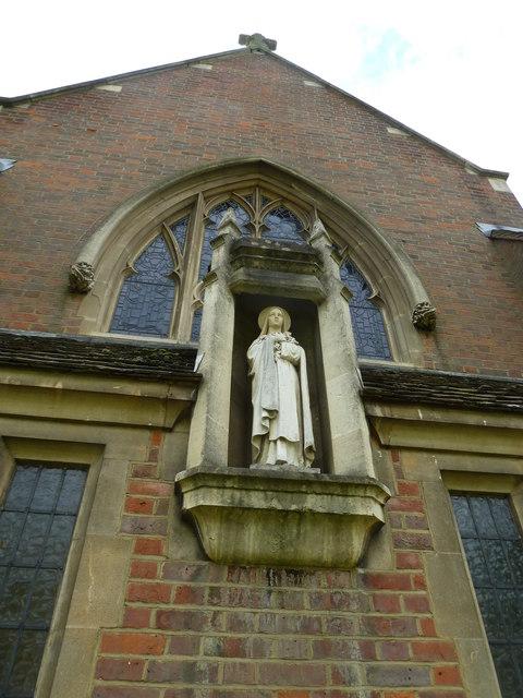 Statue outside catholic church in Warwick Road