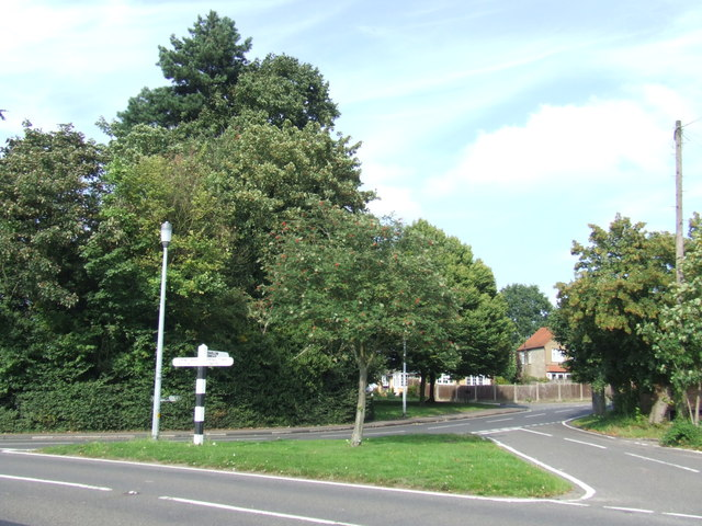 Road junction, Epping