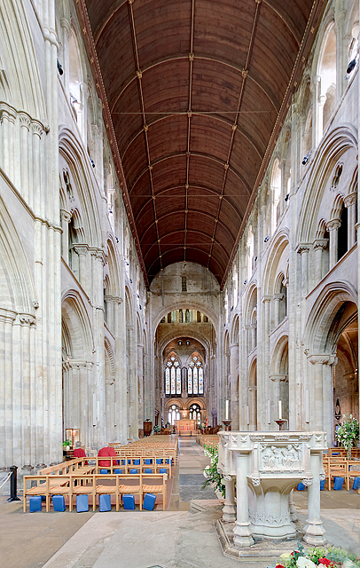 Romsey Abbey - the nave (2)
