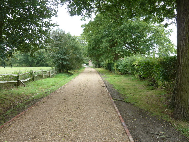 Driveway and footpath from Chailey Moat to Chailey village