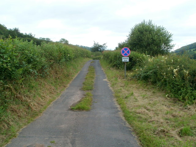 Side road to Treweryn valley farms