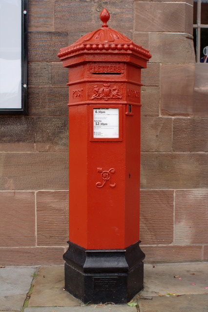 Victorian Postbox, Town Hall Square