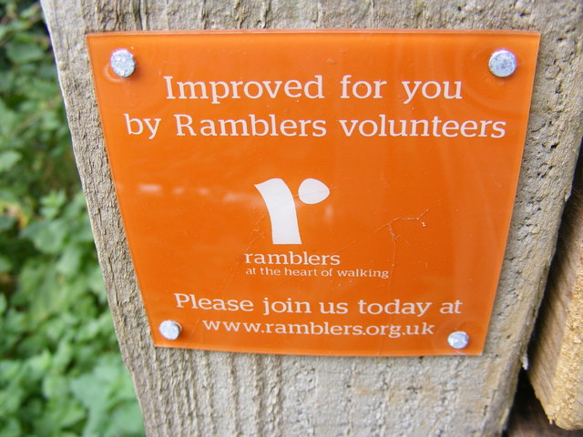 Ramblers sign on the footpath to the A1120