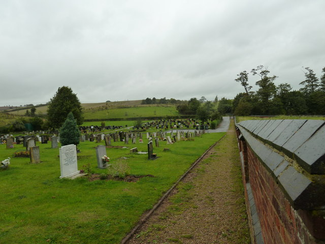 Path in Old Linslade Cemetery