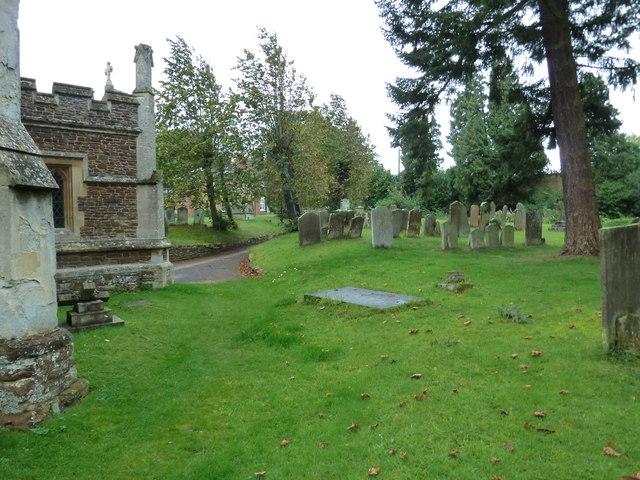St. Mary the Virgin, Great Brickhill: churchyard