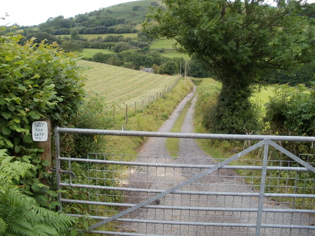 SHUT THE GATE at the entrance to Tredomen Farm near Defynnog