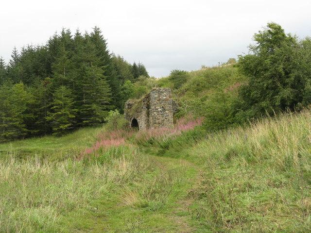 Old lime kiln in Halterston Glen