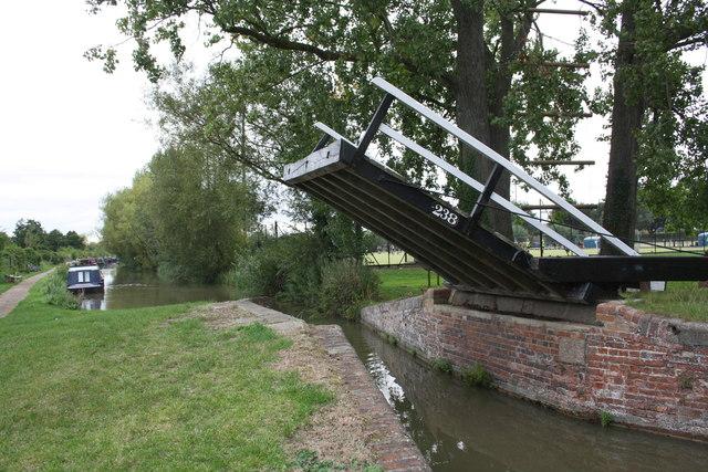 Oxford Canal bridge 238