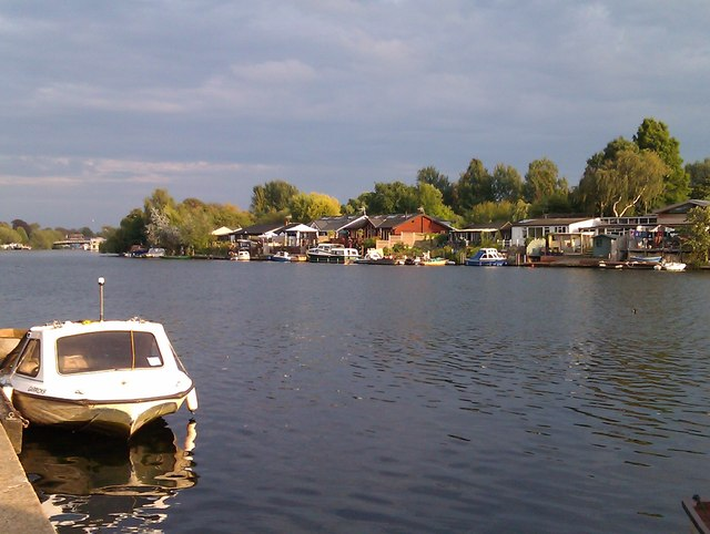 View across the Thames to Garrick's Eyot