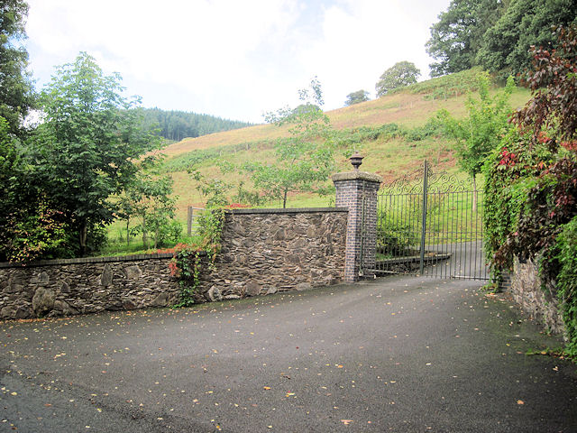 Entrance to Garth-gell