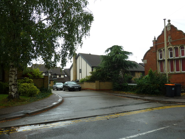 Looking from Vicarage Road into Vicarage Gardens
