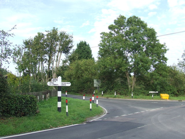 Road junction at Fiddlers Hamlet, near Epping