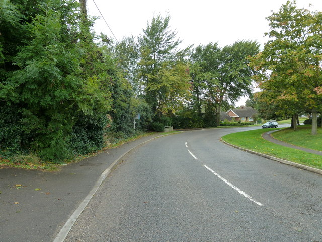 Bend in Leighton Road