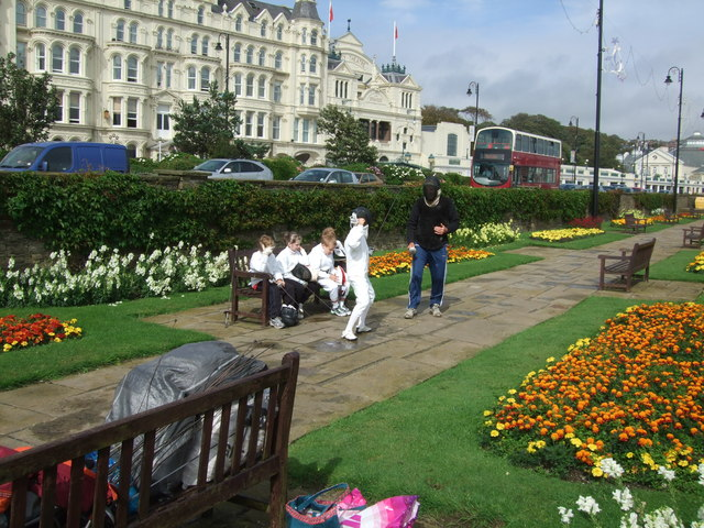 Young fencers on the prom at Douglas