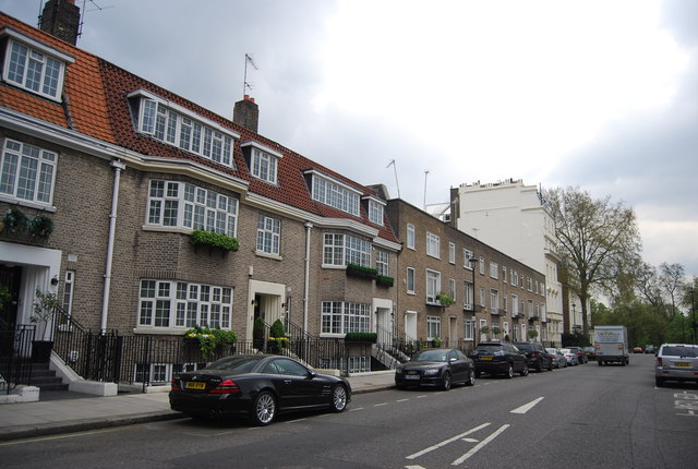 Flat, Hyde Park St