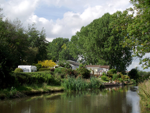 Staffordshire and Worcestershire Canal  at Baswich, Stafford