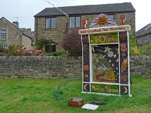 Well Dressing [1], Town End, Eyam