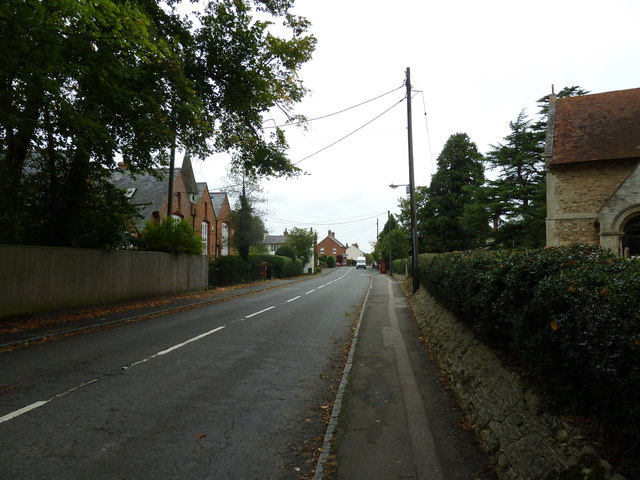 An autumnal High Street North