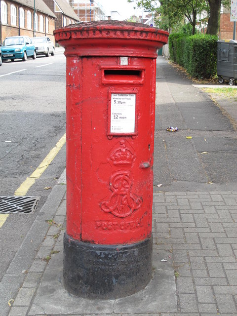Edward VII postbox, High Road / St. Andrew's Road, NW10