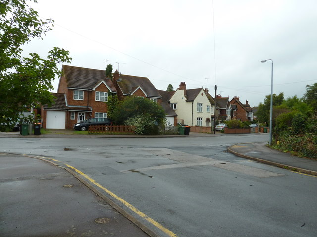 Looking from Southcourt Avenue towards Southcourt Road