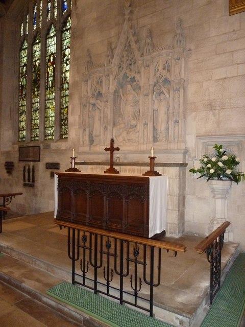 Luton: St. Mary's Church- side altar