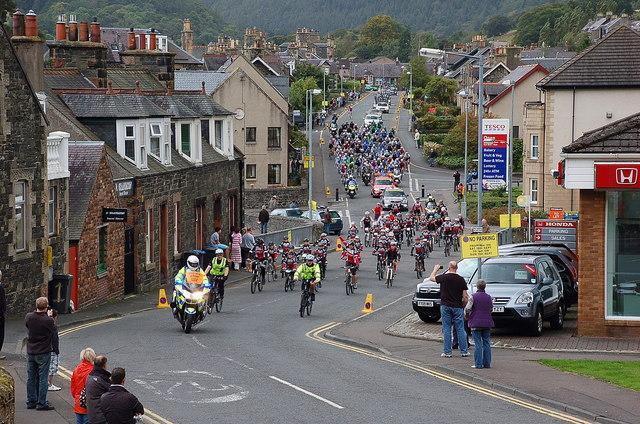 Start of the 2011 Tour of Britain, Peebles (2)