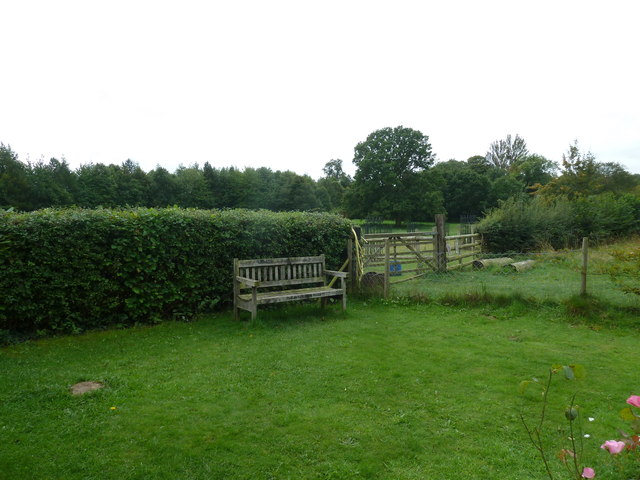 COAM 27:seat in the prefab garden