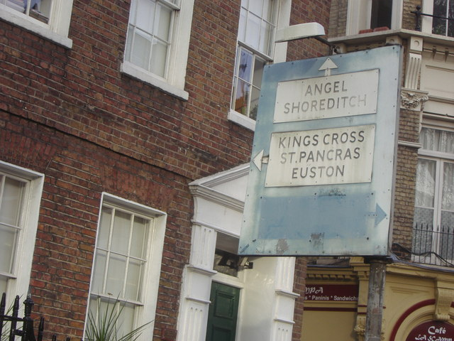 Pre-Worboys direction sign, Theobald's Road