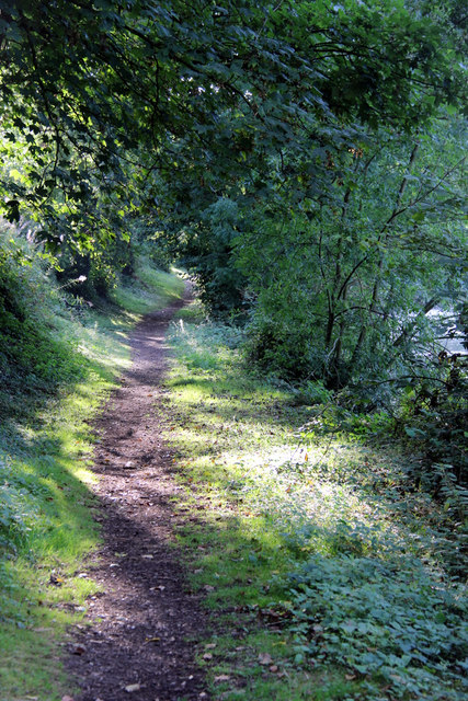 Footpath by the River Medway, Allington Lock, Kent