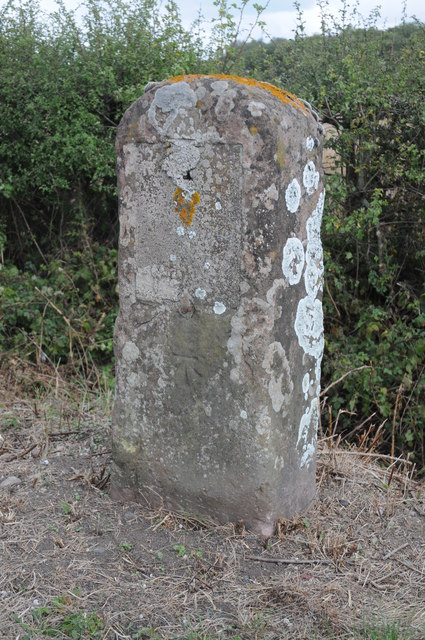 Milestone on the B4211