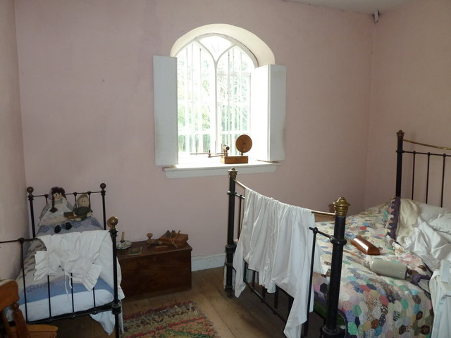 COAM 80: inside the toll keepers cottage (two)