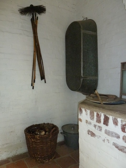 COAM 82: inside the toll keepers cottage (three)