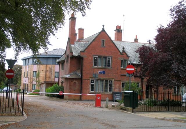 Spinneys House