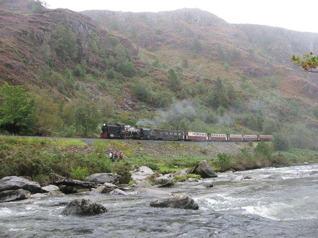 Welsh Highland Railway in Aberglasyn Pass