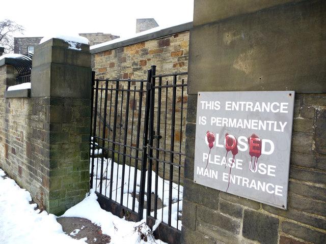 Disused entrance to St Luke's Hospital, Bradford