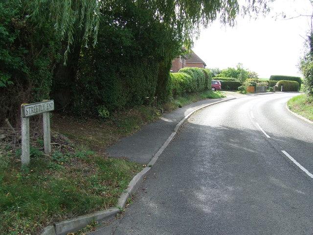 Entering Streetly End