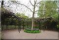 TQ2782 : Gazebo, Regent's Park by N Chadwick