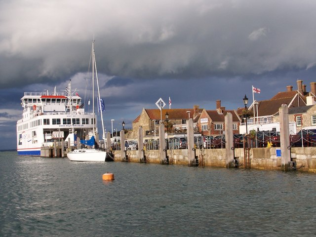 Quayside and car ferry, Yarmouth