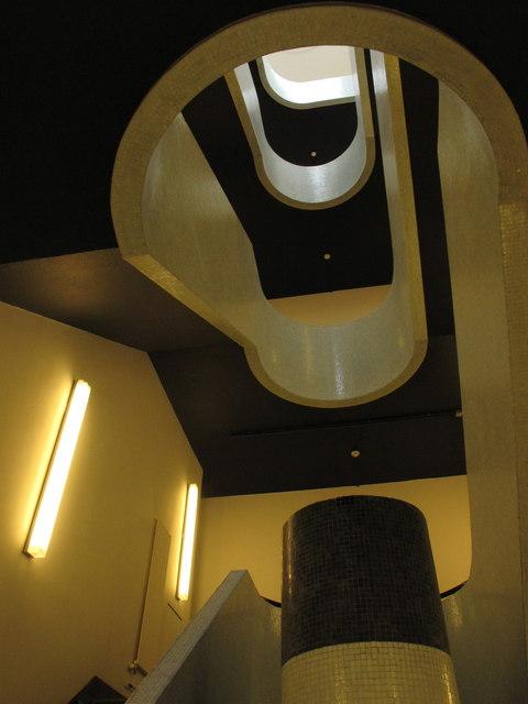 Art deco staircase, Battleship Building
