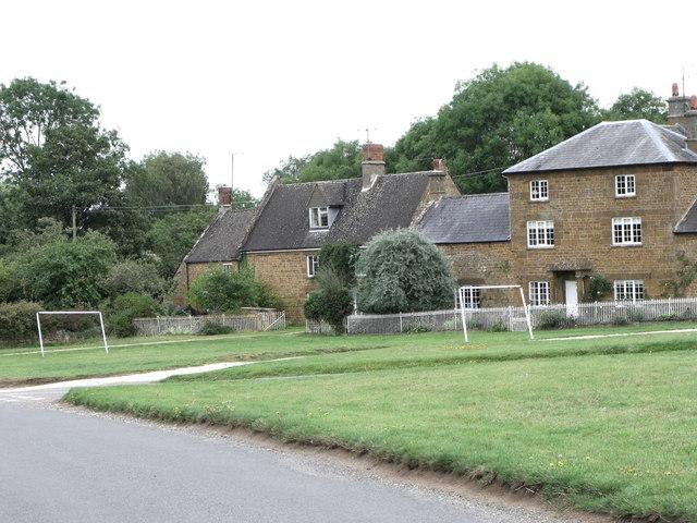 Goalposts, Warmington village green