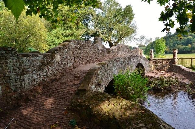Dunster Castle Gardens: Lovers' Bridge