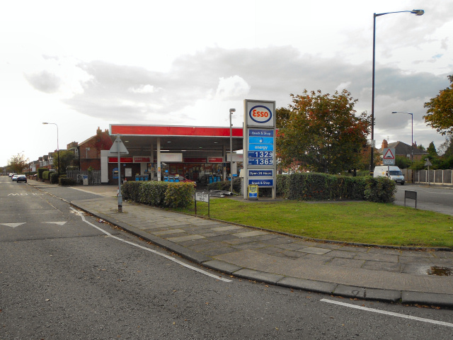 Esso Service Station, Sevenways